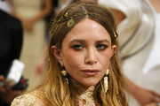 Mary-Kate Olsen Long Wavy Cut