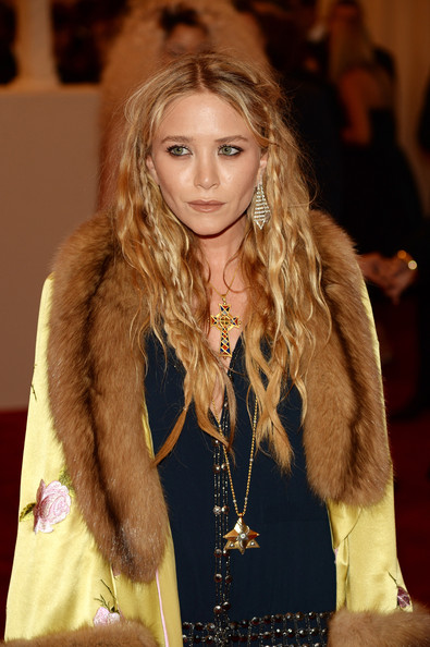 Mary-Kate Olsen Nude Lipstick [punk: chaos to couture,hair,hairstyle,long hair,fur,blond,fashion,fur clothing,brown hair,layered hair,textile,mary-kate olsen,new york city,metropolitan museum of art,punk: chaos to couture costume institute gala,exhibition]