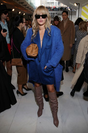 Eleonora Carisi layered an oversized electric-blue cardigan over a matching blazer for the Max Mara Spring 2020 show.