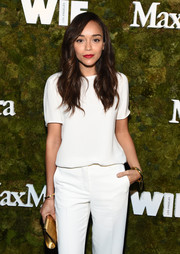 Ashley Madekwe styled her white outfit with gold accessories, including a simple yet elegant bangle, for the Women in Film Face of the Future Award.