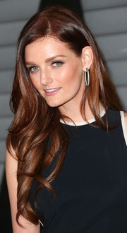 Lydia Hearst Shaw wore her hair super long with soft waves during the Maxim Hot 100 event.