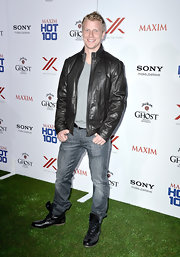 Sean Lowe's leather jacket had a cool, classic motorcycle feel to it.