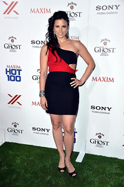 Katrina Law's color-blocked one-shoulder dress featured a fun side cutout for an added touch of sexiness.