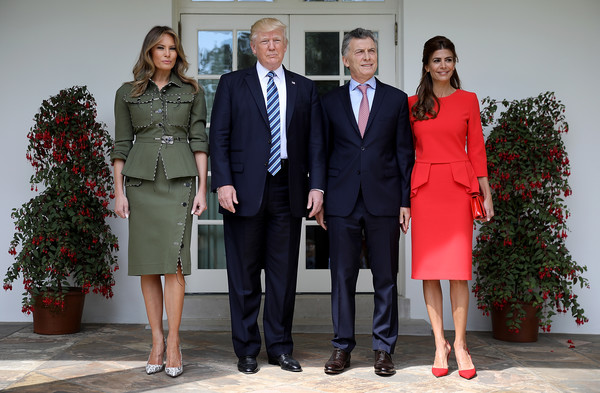 Melania Trump Pumps [donald trump,mauricio macri,president of argentina,melania trump,juliana awada,president,r,suit,social group,red,event,standing,fashion,uniform,formal wear,outerwear,businessperson,the white house,argentina,u.s.]
