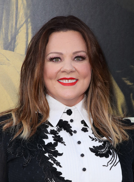 Melissa McCarthy Ombre Hair [warner bros pictures,the kitchen,hair,lip,hairstyle,eyebrow,chin,long hair,black hair,brown hair,smile,lipstick,arrivals,melissa mccarthy,california,hollywood,tcl chinese theatre,premiere,premiere]