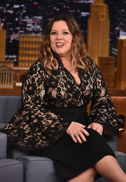 Melissa McCarthy paired a diamond cluster ring with a lace-bodice LBD for total elegance during her 'Jimmy Fallon' appearance.