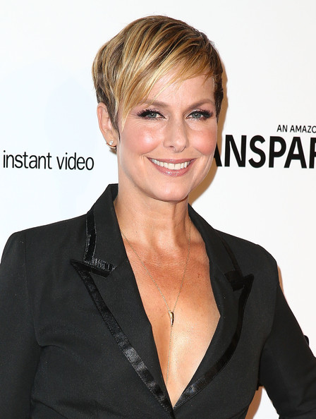 Melora Hardin Short Side Part [hair,hairstyle,blond,chin,white-collar worker,smile,long hair,brown hair,layered hair,feathered hair,red carpet,melora hardin,california,los angeles,ace hotel,amazon studios,premiere,premiere]