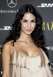 Sila Sahin wore her hair in tight curls and a center-part for Mercedes-Benz Fashion Week in Berlin.