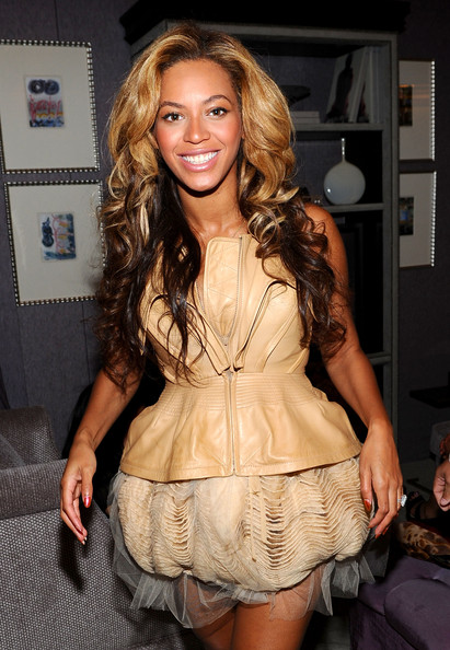 Amazing More Pics Of Beyonce Knowles Long Curls 1 Of 4 Beyonce Knowles Short Hairstyles For Black Women Fulllsitofus