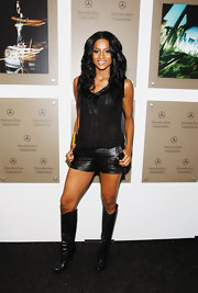 Ciara was quite the leather lover on this night and decked herself out in a dashing pair of knee-high leather boots and leather shorts.