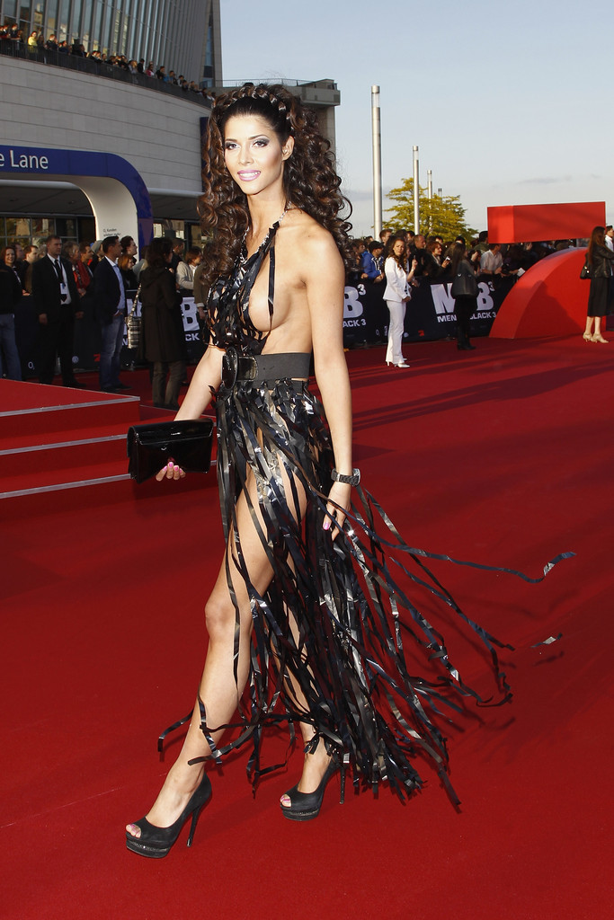 10 Most Revealing Red Carpet Outfits Youve Ever Seen