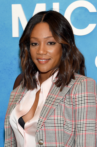 More Pics of Tiffany Haddish Medium Wavy Cut (1 of 16) - Shoulder Length Hairstyles Lookbook - StyleBistro [michael kors collection spring 2019 runway show,hair,hairstyle,layered hair,long hair,beauty,brown hair,black hair,surfer hair,feathered hair,plaid,tiffany haddish,front row,new york city,pier 17]