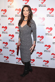 Lynda Carter looked so classic in her charcoal dress and leather boots.