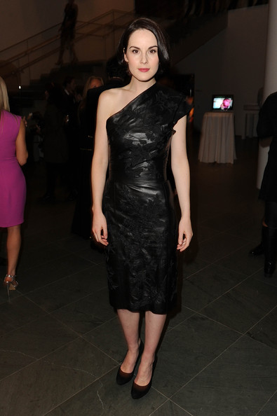 Michelle Dockery One Shoulder Dress [dress,clothing,shoulder,fashion model,cocktail dress,fashion,joint,little black dress,leg,neck,downton abbey,graydon carter host an evening with the cast and producers of pbs masterpiece,series,pbs masterpiece,new york city,ralph lauren,cast,producers,michelle dockery,graydon carter]