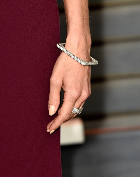 Michelle Monaghan Diamond Bracelet [jewellery,finger,fashion accessory,hand,ring,bracelet,bangle,engagement ring,joint,nail,michelle monaghan,graydon carter - arrivals,graydon carter,fashion detail,beverly hills,california,wallis annenberg center for the performing arts,oscar party,vanity fair]