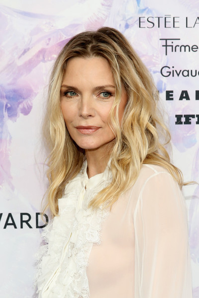 Michelle Pfeiffer Long Wavy Cut [hair,blond,hairstyle,eyebrow,skin,lip,beauty,long hair,layered hair,eyelash,fragrance foundation awards,david h. koch theater,new york city,lincoln center,michelle pfeiffer]
