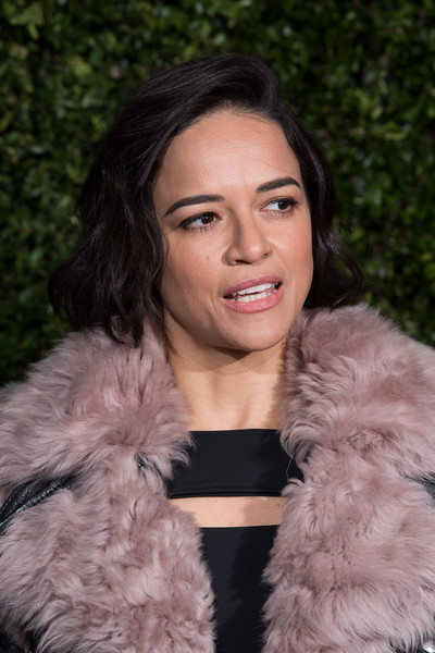Michelle Rodriguez Bob [hair,fur,fur clothing,lady,skin,beauty,hairstyle,eyebrow,lip,pink,charles finch,michelle rodriguez,chanel pre-baftas dinner,pre-baftas,loulou,london,england,chanel,dinner]