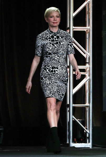 Michelle Williams Print Dress [television show,fashion model,fashion,fashion show,runway,clothing,fashion design,dress,haute couture,footwear,event,michelle williams,fosse/verdon,pasadena,california,the langham huntington,winter tca,fx,segment,winter television critics association press tour]