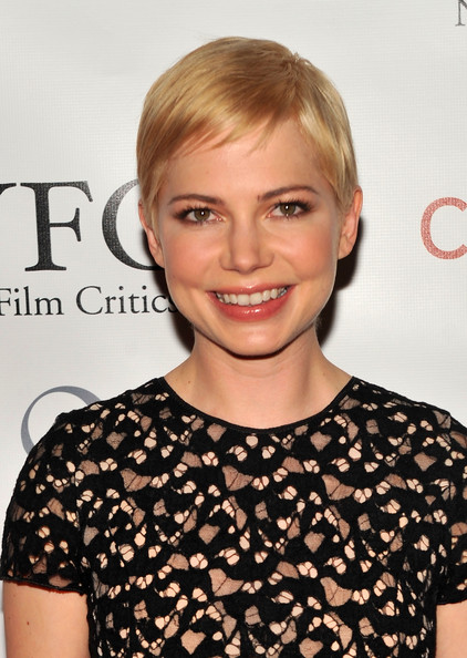 Michelle Williams Pixie [hair,face,hairstyle,blond,shoulder,eyebrow,beauty,chin,lip,cocktail dress,michelle williams,new york city,crimson,new york film critics circle awards]