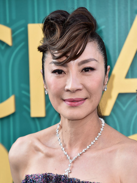 Michelle Yeoh Ponytail [crazy rich asians,crazy rich asiaans,hair,face,hairstyle,facial expression,eyebrow,skin,chin,beauty,forehead,head,premiere - arrivals,michelle yeoh,california,hollywood,warner bros. pictures,tcl chinese theatre imax,premiere]