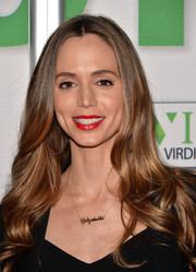 Eliza Dushku wore super-red lipstick for a sexy finish to her beauty look.