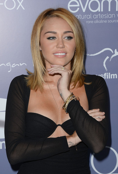 Miley Cyrus Haircuts And Hairstyles – 20 Ideas For Hair Of ... |Miley Cyrus Shoulder Length Hair 2012