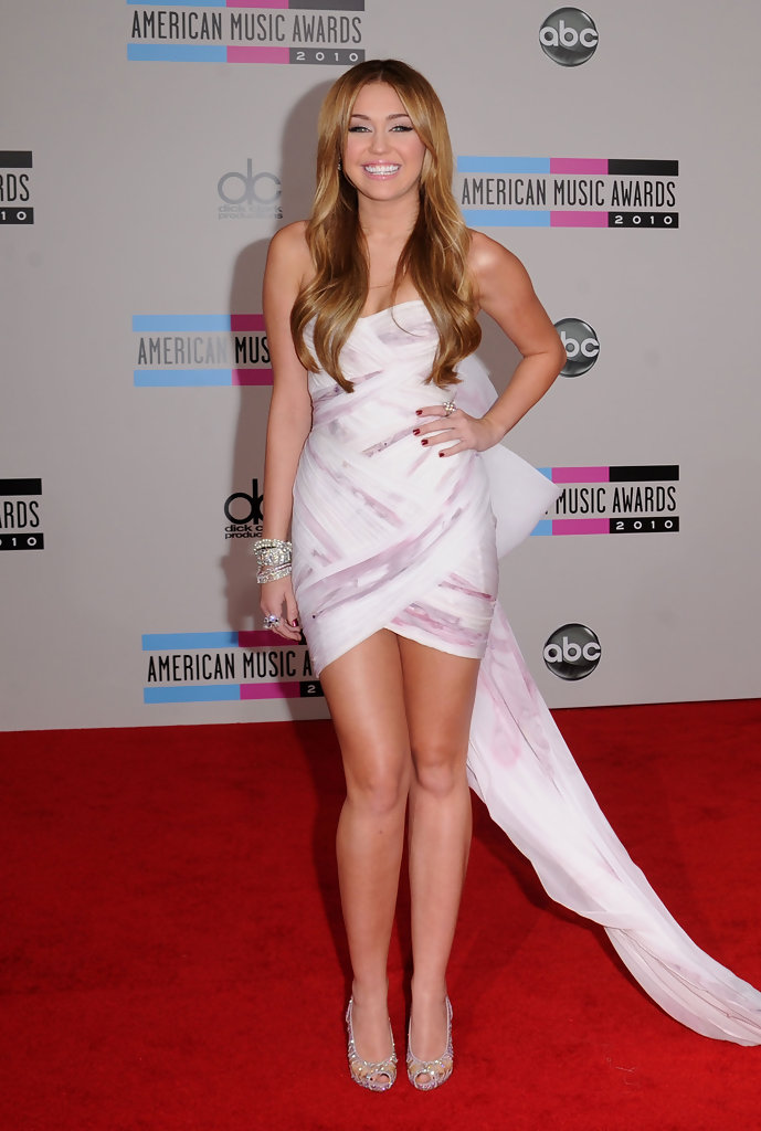 miley cyrus evening pumps miley cyrus shoes looks