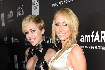 Miley Cyrus Leticia Cyrus Arrivals at amfAR's Inspiration LA Gala — Part 3