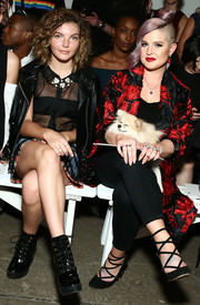 Kelly Osbourne pulled her look together with a pair of black lace-up pumps.
