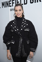 Hailee Steinfeld accessorized her outfit with a silver wide-band ring when she attended the 'Minefield Girl' audio-visual book launch.