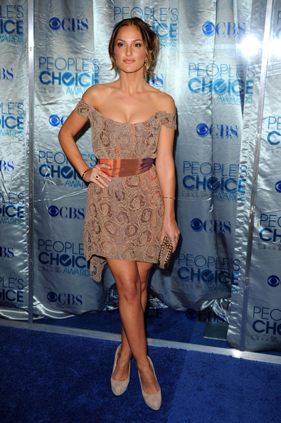 Minka Kelly Off-the-Shoulder Dress [clothing,dress,shoulder,cocktail dress,premiere,fashion,electric blue,joint,red carpet,fashion model,arrivals,minka kelly,peoples choice awards,california,los angeles,nokia theatre l.a. live]