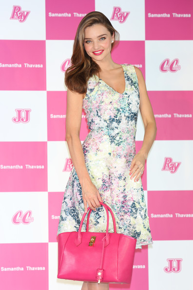 More Pics of Miranda Kerr Print Dress (1 of 10) - Miranda Kerr Lookbook - StyleBistro