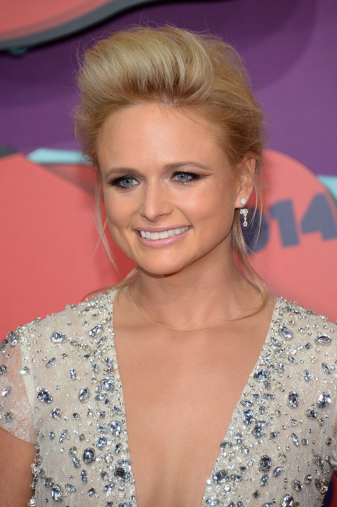 mixed curly hairstyles : Miranda Lambert Updos Looks - StyleBistro