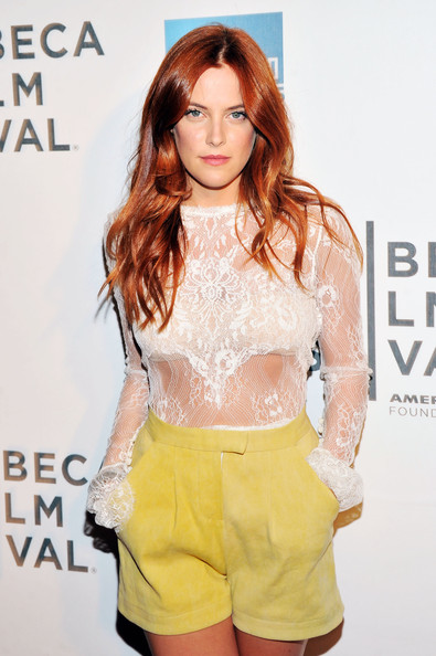 More Pics of Riley Keough Dress Shorts (1 of 8) - Dress Shorts Lookbook - StyleBistro