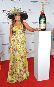 Jo Dee Messina looked quite the diva in her flowing print halter dress at the Kentucky Derby Moet & Chandon toast.