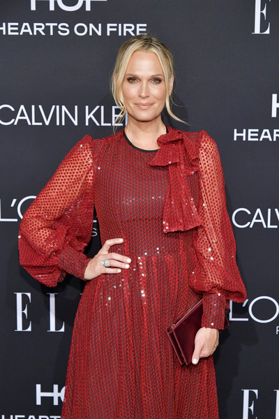 Molly Sims Metallic Clutch [elle,hearts on fire,loreal paris,red carpet,clothing,fashion,hairstyle,dress,beauty,fashion model,lip,formal wear,fashion design,carpet,los angeles,beverly hills,california,25th annual women in hollywood celebration,calvin klein,molly sims]