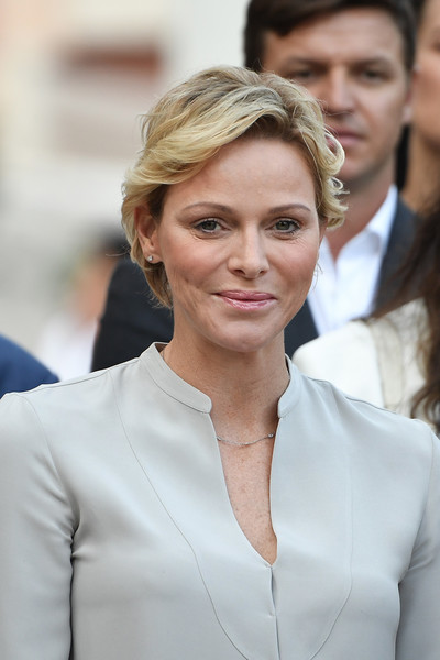 Charlene Wittstock sported a short wavy 'do at the Monaco annual picnic.