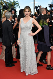 Carly Steel looked regal in a silver mesh gown by Tadashi Shoji at the Cannes premiere of 'Money Monster.'