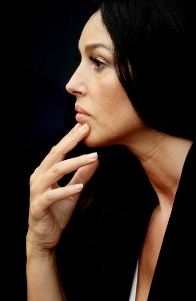 Monica Bellucci Neutral Nail Polish