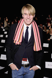 Ken Downing's pink striped scarf totally brought his look to life at the Monique Lhuillier runway show!