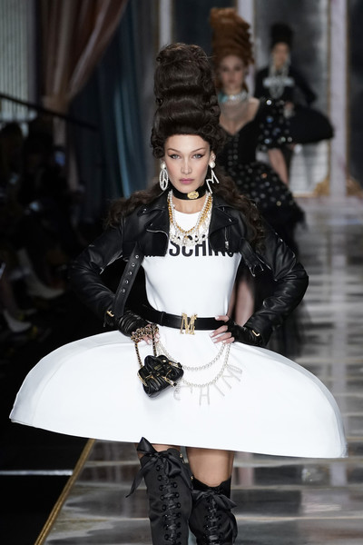 More Pics of Bella Hadid Leather Purse (1 of 8) - Evening Bags Lookbook - StyleBistro [fashion,fashion model,runway,clothing,fashion show,haute couture,beauty,shoulder,joint,gothic fashion,bella hadid,fashion,runway,part,haute couture,moschino - runway,runway,milan fashion week,fashion show,fashion show,runway,fashion,fashion show,supermodel,haute couture,model,socialite]