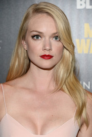 Lindsay Ellingson chose a sexy red lip color to finish off her look.