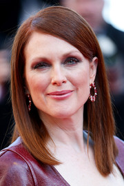 Julianne Moore kept it sleek and simple with this straight side-parted 'do at the 'Mr. Turner' premiere.