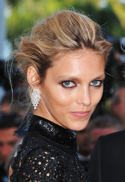 More Pics of Anja Rubik Dangling Diamond Earrings (3 of 38) - Anja Rubik Lookbook - StyleBistro