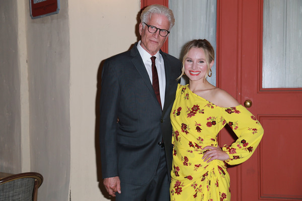 More Pics of Kristen Bell Messy Updo (1 of 14) - Kristen Bell Lookbook - StyleBistro [the good place,yellow,event,fun,formal wear,smile,suit,actors,kristen bell,ted danson,q a,backlot,universal city,california,nbc,fyc screening]