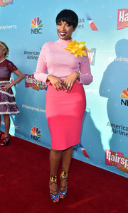 Jennifer Hudson looked delightful in a yellow turtleneck adorned with a massive yellow flower brooch at the 'Hairspray Live!' FYC event.