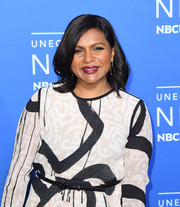 Mindy Kaling wore her print dress with a skinny belt at the 2017 NBCUniversal Upfront.