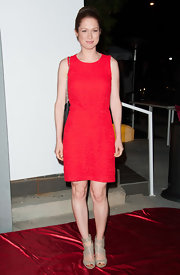 Ellie Kemper's red dress looked classic and preppy on the star.