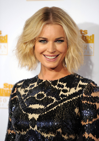 Rebecca Romijn's Center-Parted 'Do