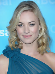 Yvonne Strahovski added some soft spiral curls to her subtly layered cut at the NBC Universal 2012 Winter TCA Press Tour All Star Party.